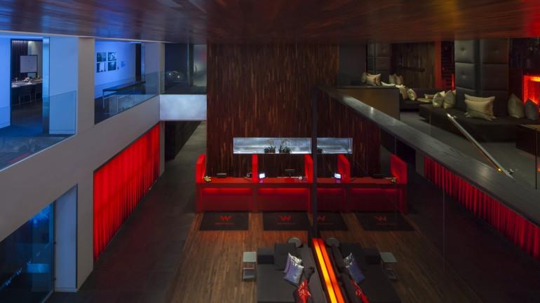 w-montreal-living-room-lobby
