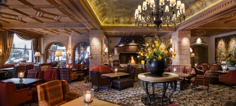 gstaad gil The Lobby Bar 9